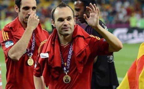 Iniesta, mejor jugador de la Eurocopa 2012