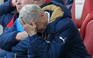 Wenger, abatido por otro fracaso