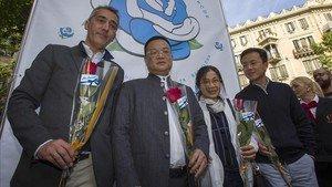 A Chen Yansheng le impactó gratamente la jornada de Sant Jordi en su visita al stand del Espanyol