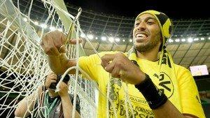 Aubameyang podría cambiar el amarillo del Dortmund por el rojo del Liverpool