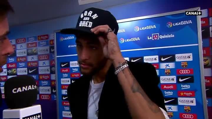 Neymar alab� a Messi