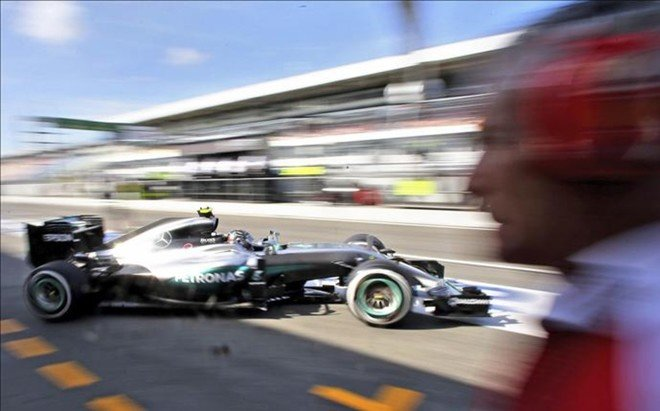 Rosberg lidera el primer d�a en Alemania