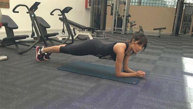 Pilar Rubio, poniéndose en forma en un video en Instagram