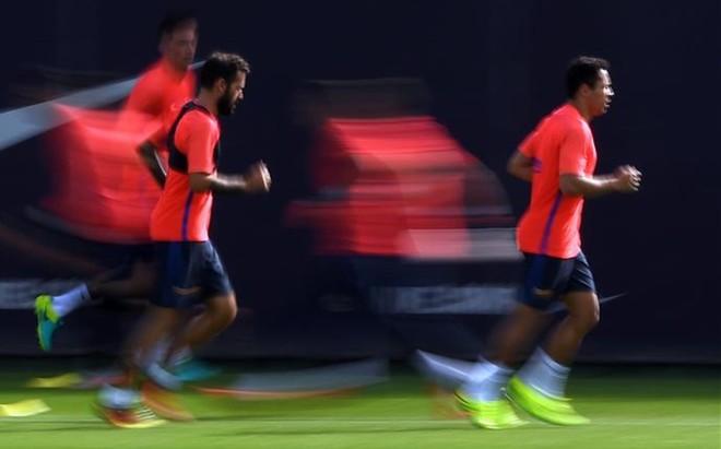 Adriano, en una sesi�n con el equipo