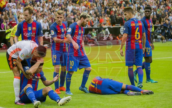 Las im�genes de la tangana entre el Valencia y el FC Barcelona