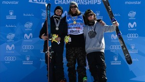 Oro para Mcrae Williams (Centro), plata para Gus Kenworthy (izquierda) y bronce para James Wood