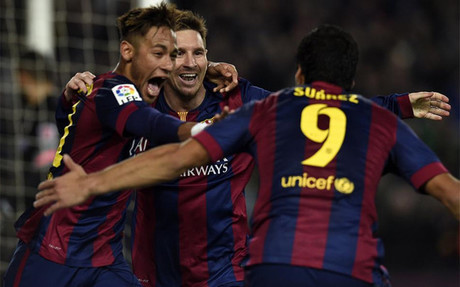 El tridente del Barcelona sigue haciendo historia