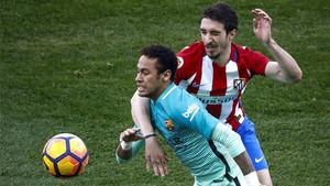 Neymar fue una máquina de desbordar en el Calderón