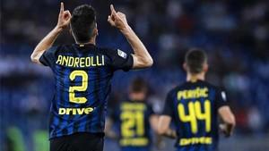 Andreolli, celebrando su gol al Lazio