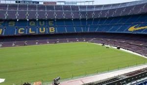 Esta es la imagen que presenta el césped del Camp Nou