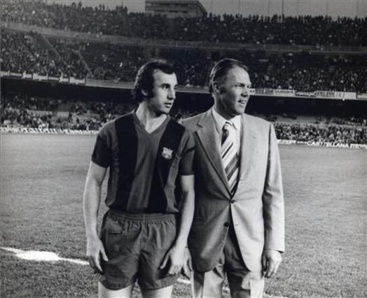 Juan Carlos con su entrenador, Marinus Michels