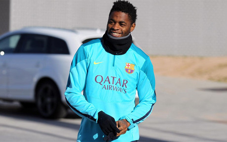 Man United approach Barcelona for ex Arsenal midfielder Alex Song, offer submitted to the player [Sport]