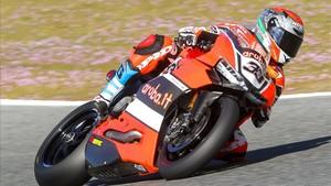 Gran victoria de Melandri en la carrera 2 de Misano