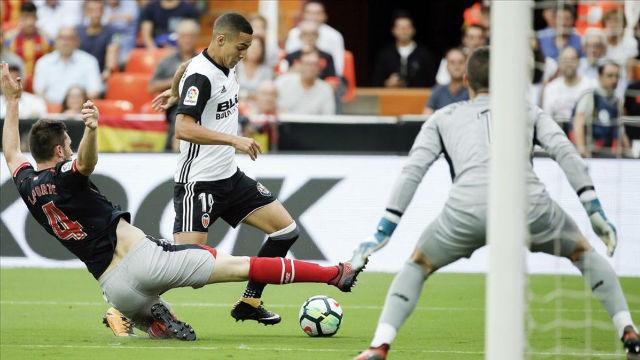 LALIGA   Valencia - Athletic (3-2): Rodrigo marcó el tercer gol del Valencia