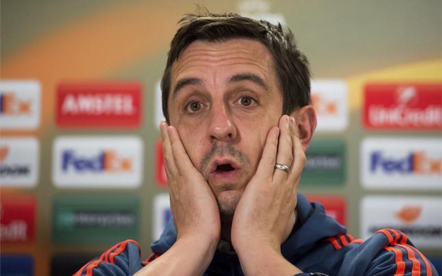 """Neville: """"No me han ofrecido la renovaci�n por el Valencia"""""""