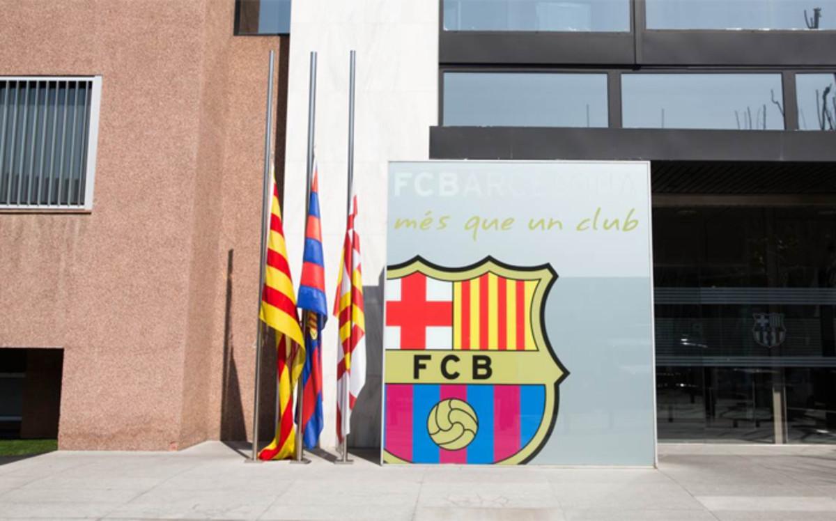 El fc barcelona prepara un memorial en homenaje a johan cruyff for Oficinas fc barcelona