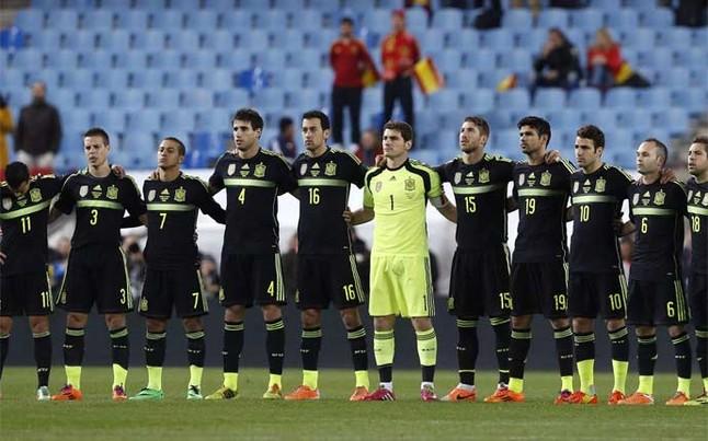 Hilo de la selección de España Minuto-silencio-por-luis-aragones-1394056282730