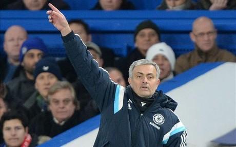 Mourinho est� convencido de que Luis Figo est� capacitado para tomar las riendas de la FIFA