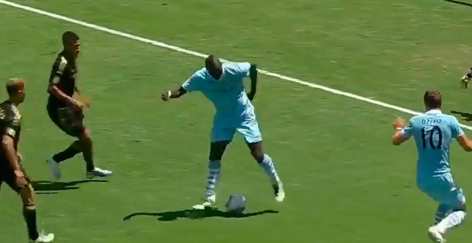 El rid�culo de Balotelli frente a LA Galaxy