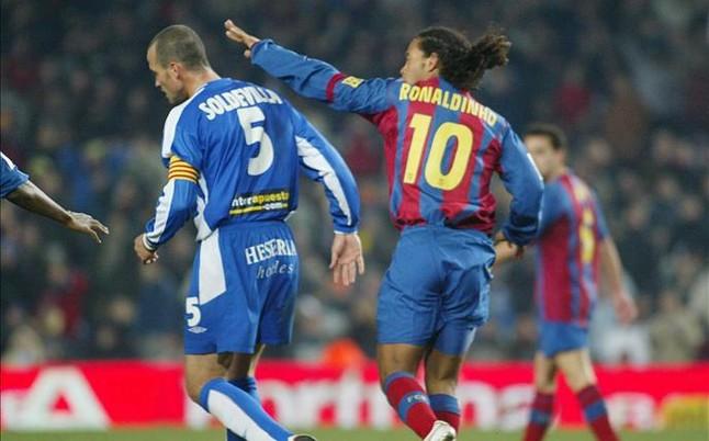 Ronaldinho se las tuvo m�s de una vez con Soldevilla
