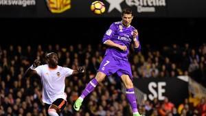 Cristiano remata a gol en el tramo final de la primera parte