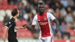 Davinson ha sorprendido en su primer año en el Ajax