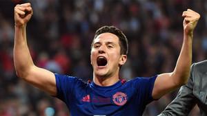 Ander Herrera celebra el triunfo del Manchester United sobre el Ajax Ámsterdam en la Europa League