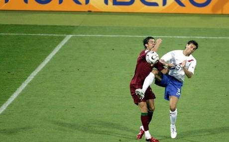 Boulahrouz , durante el Portugal-Holanda de 2006