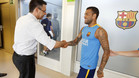 Alves deja su futuro en el aire