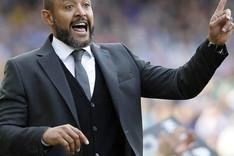 """El entrenador del Valencia, Nuno, asegur� que su equipo \""""mereci� m�s\"""" en el Camp Nou"""