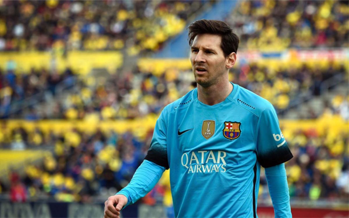 """Dr. Ruiz Marcell�n: """"Messi jug� tres partidos con piedras en el ri��n"""""""