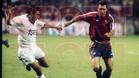 Hristo Stoichkov corre en el Bernabéu en el clásico de la temporada 93/94 que ganó el Barça (0-1).
