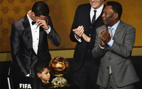 Cristiano Ronaldo y Pelé en la gala del Balón de Oro 2013