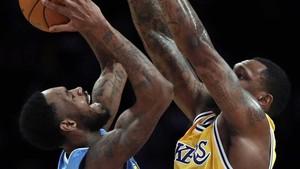 Los Nuggets llevan siete victorias seguidas a domicilio contra los Lakers