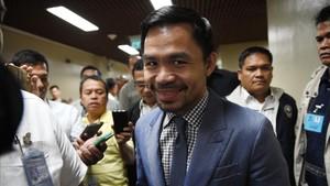 Manny Pacquiao en su llegada al Senado de Manila