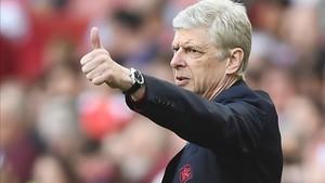 Wenger todavía no sabe si seguirá en el Arsenal, pero sí como entrenador