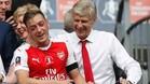 Ozil cumple cuatro años en la Premier League