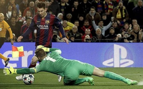 Hart complet� una noche magn�fica en el Camp Nou