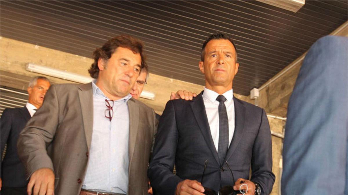 Mendes volvi� a pisar el Camp Nou en la presentaci�n de Andr� Gomes