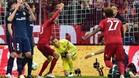Gim�nez 'cant�' en el gol de Alonso y en el penalti