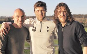 De la Peña, Pochettino y Puyol, en Hotspur Way