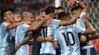 La selección argentina solo pudo sumar un punto en su último partido ante Perú (2-2)