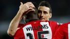 Aduriz celebra un gol con Williams