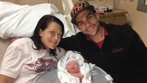 Jared Mees, con su mujer y la pequeña Hayden