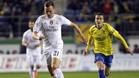 Denis Cheryshev se escapa de Sergio Mantecón durante el Cádiz-Real Madrid de los 1/16 de final de la Copa del Rey 2015/16