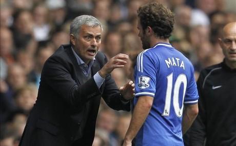 Mourinho y Juan Mata en su etapa con el Chelsea.