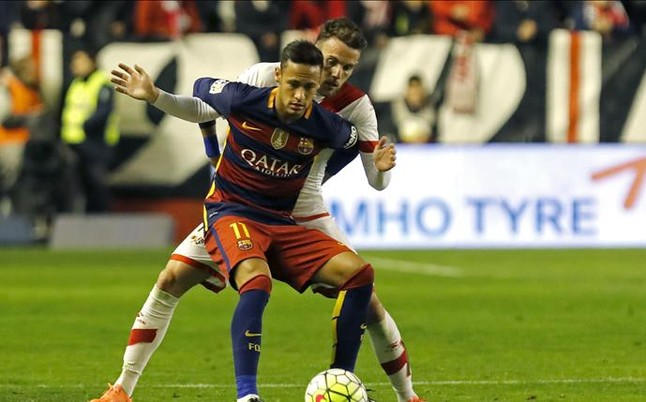 Neymar forz� la quinta amarilla