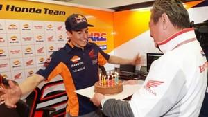 Márquez, con su pastel de cumpleaños