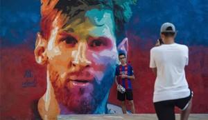 El mural de Messi que han pintado en Barcelona