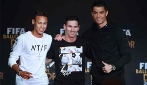 Neymar, junto a Messi y Cristiano Ronaldo